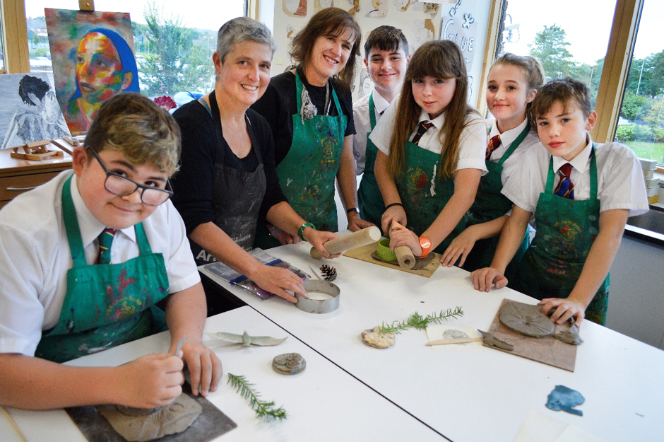 Y9 art pupils are eagerly working with Ceramicist Ruth Gibson